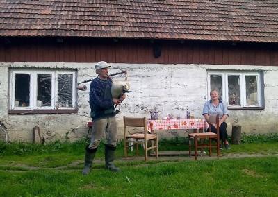 Jak Edward Byrtek strollował folklor. Przemysław Ficek