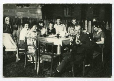 Wieś pod Częstochową, końcówka lat 30. XX wieku. Fot. ze zdjęć rodzinnych Janiny Grochowskiej